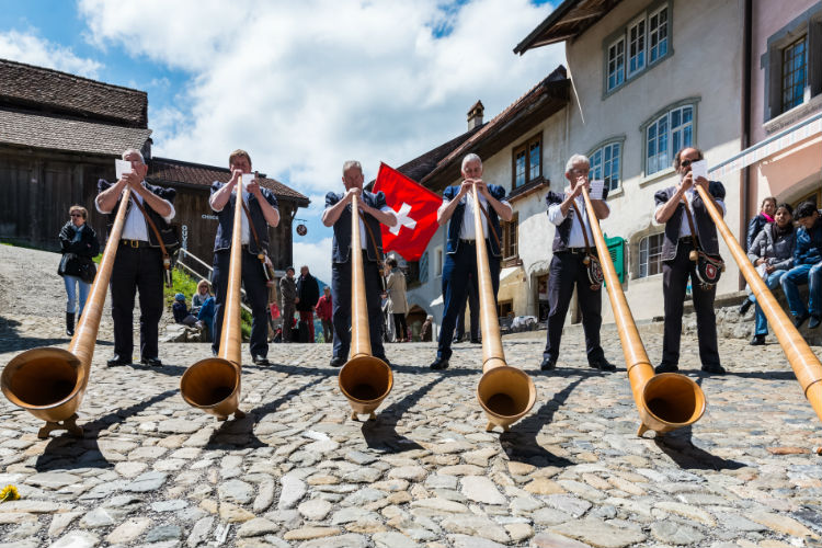 Wedding customs and traditions in Switzerland