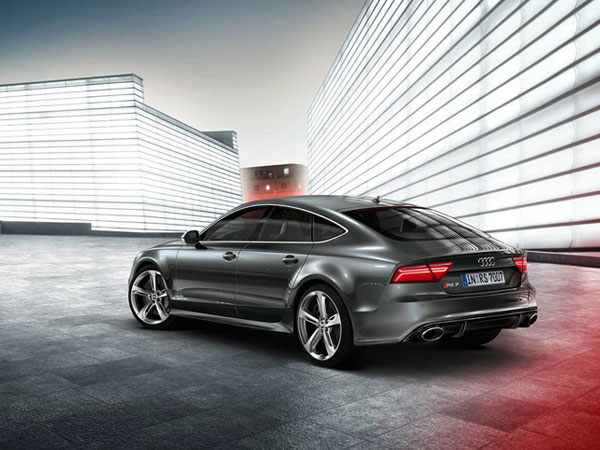 RS7 Sportback, a powerful 4 seater executive car