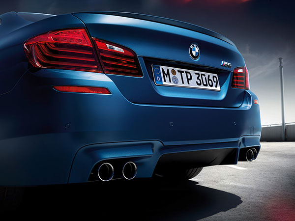 BMW M5's tail lights