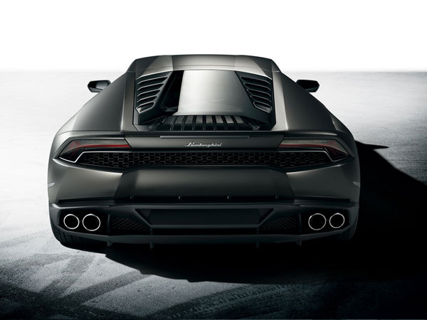 Lamborghini Huracan's lower rear diffuser