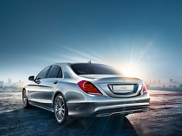 Mercedes S Class, a powerful and elegant saloon car