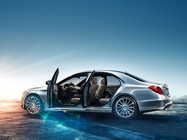 Mercedes S 350 Blue Tech, a luxury sedan with 4 doors open