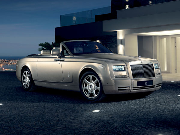 Silver Rolls Royce Phantom Drophead Coupé
