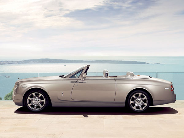 Luxury soft-top Rolls Phantom Drophead