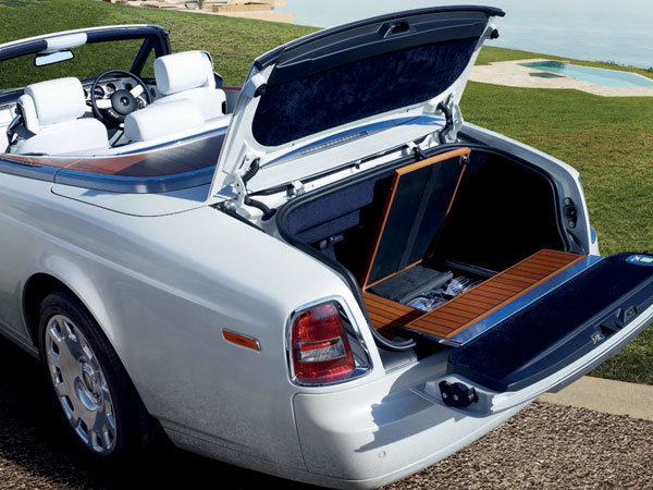 Rolls Royce Phantom Drophead spacious boot